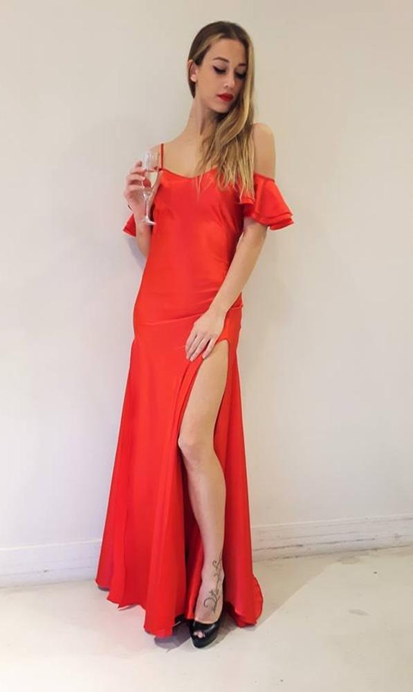 Novedad Vestido raso rojo