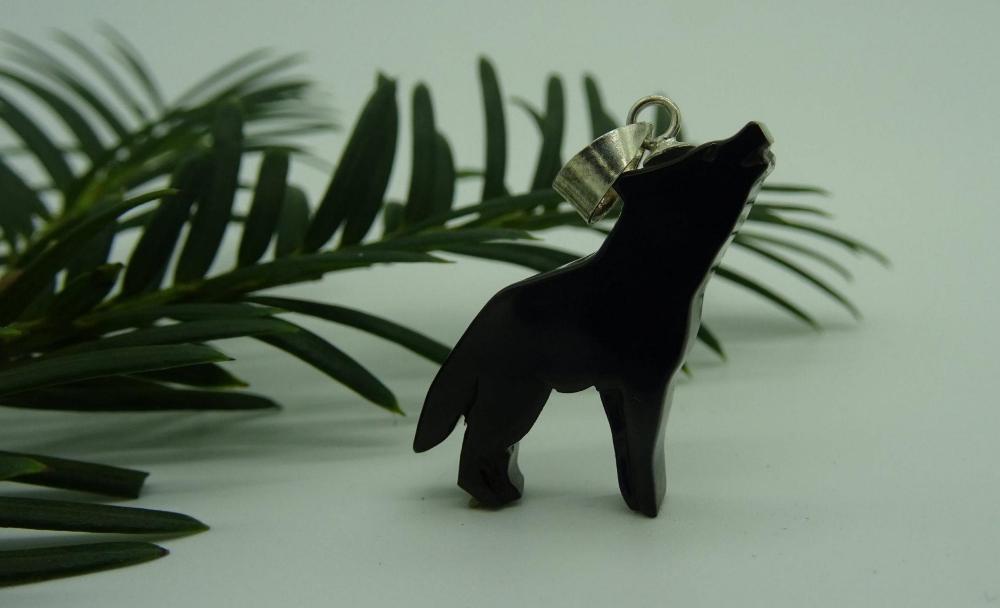 Unión Azabachera de Villaviciosa Colgante lobo aullando