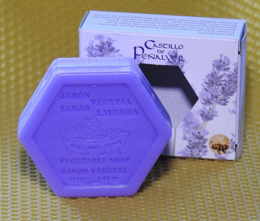Jabón hexagonal de miel y lavanda proyecto FAPAS