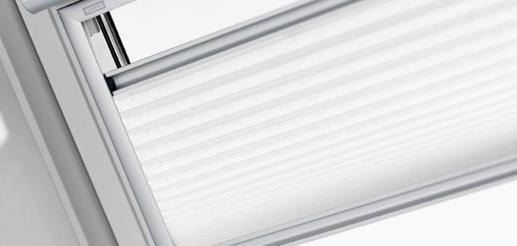 Velux Cortina Plisada Integra Eléctrica de Máximo Aislamiento FMC